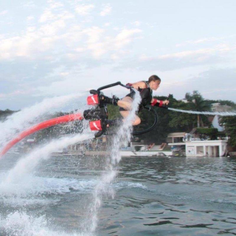 Es un deporte acuático donde también vas a volar.